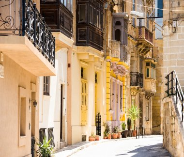 typical narrow street in Valletta