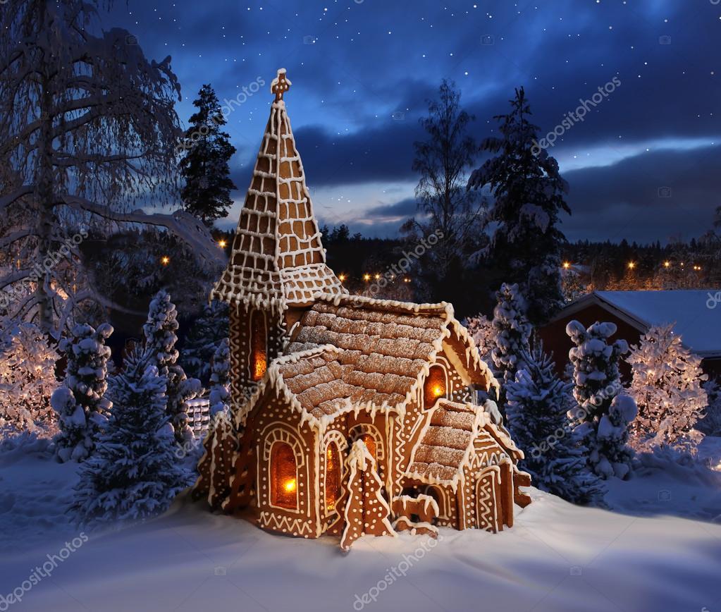 Iglesia de pan de jengibre en paisaje nevado de la noche - Paisaje nevado navidad ...