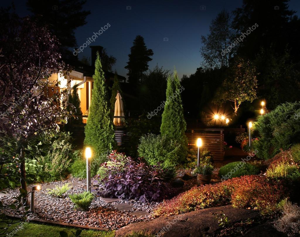 garten beleuchtung lichter — stockfoto © anterovium #82396852