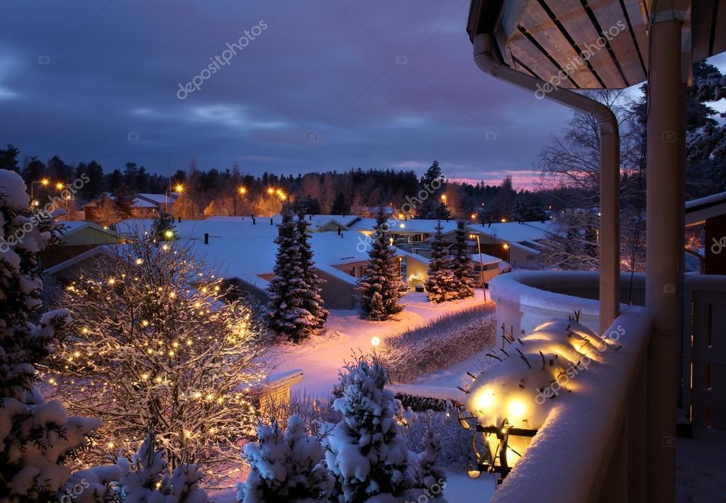 stra e verschneite weihnachten winterlandschaft. Black Bedroom Furniture Sets. Home Design Ideas
