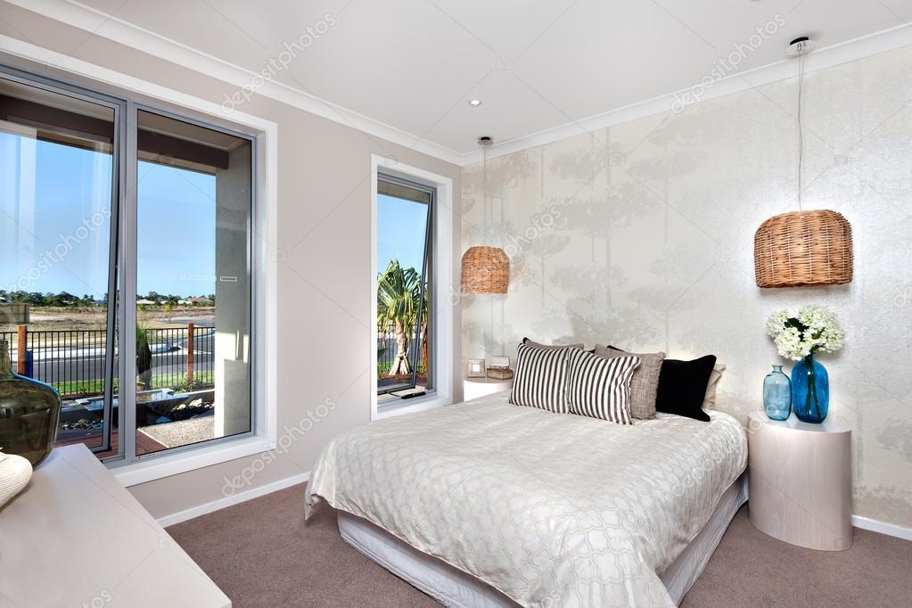 Chambre de luxe avec lit dans un h tel ou une maison avec for Lit de luxe hotel