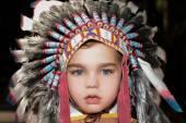 Fotografie Nahaufnahme von Kind in der Barbar Hut