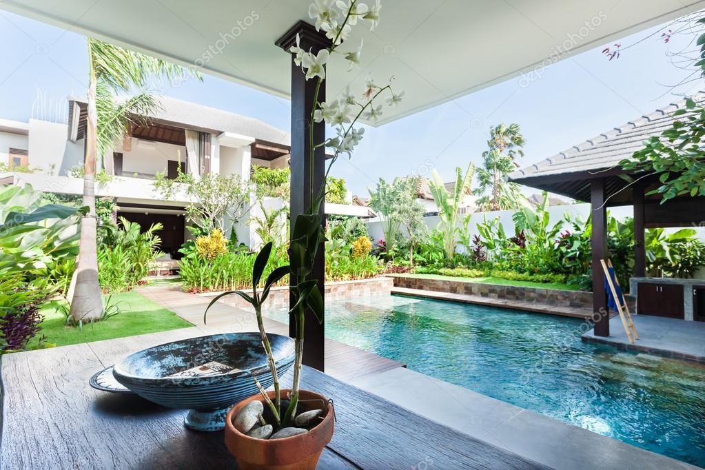 Populares Casas De Luxo Com Piscina E Jardim. . Imagens De Casas Com Jardins  CN22