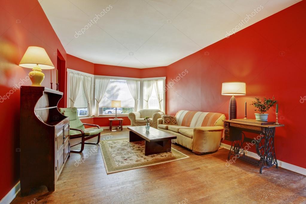 https://st2.depositphotos.com/1041088/11258/i/950/depositphotos_112584436-stock-photo-old-country-english-living-room.jpg