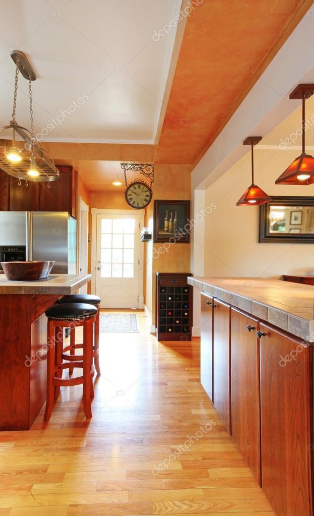 Kitchen Room Interior With View Of Entrance Door Zdjęcie