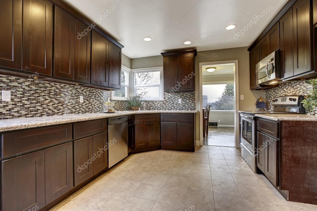 Moderne Keuken Donker : Houten keuken accessoires better keuken binatie wit en donker hout