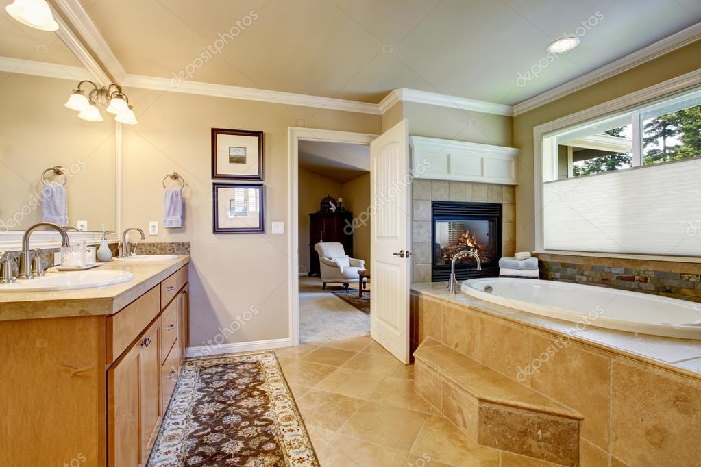 Classic American Bathroom With Wooden Cabinets, Two White Sinks U2014 Stock  Photo