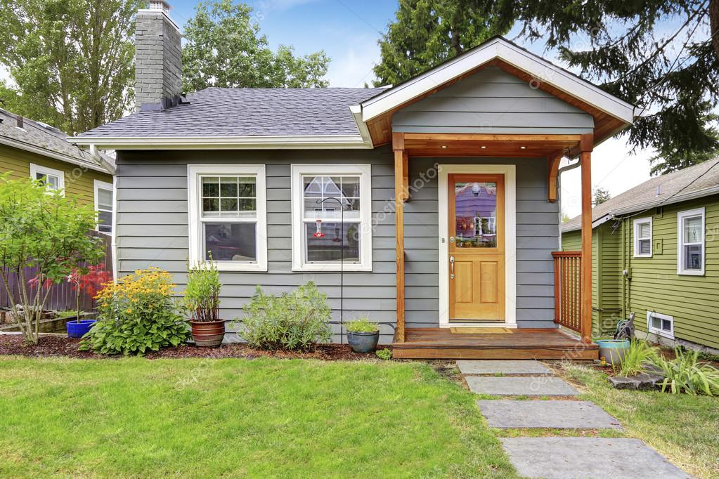 small american house with gray exterior paint ストック写真