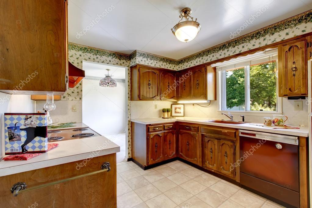Lege eenvoudig oude keuken in amerikaanse rambler u2014 stockfoto