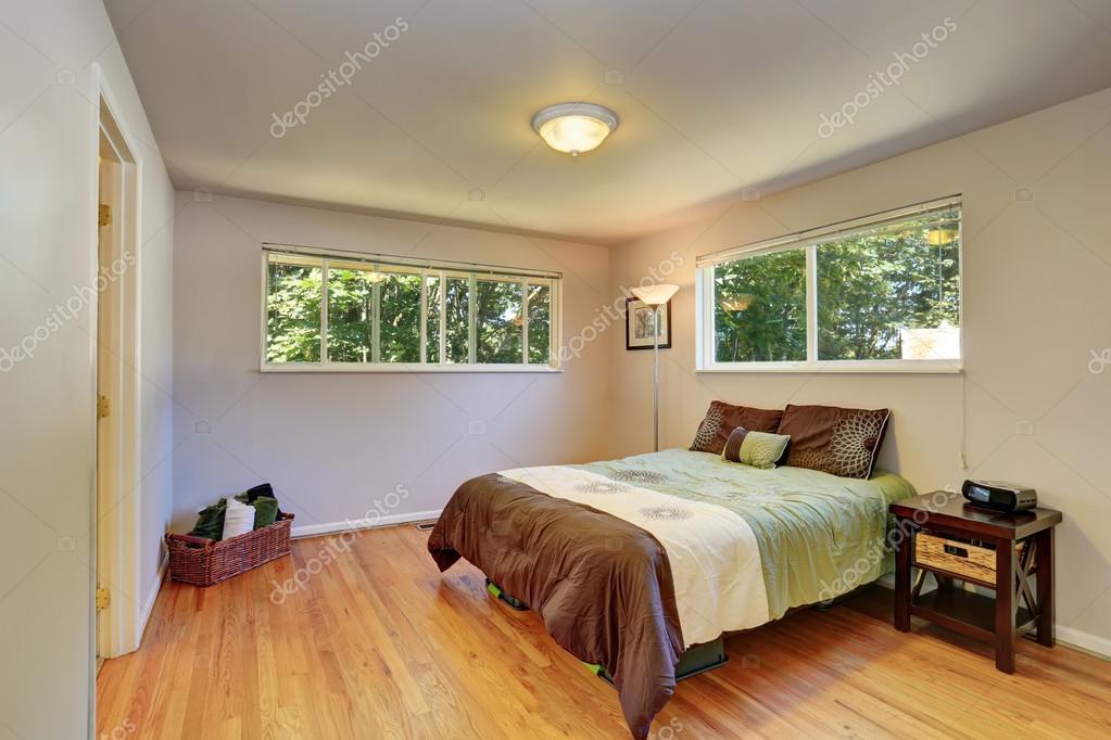 Schon Schöne Braune Bettwäsche In Lavendel Schlafzimmer U2014 Stockfoto