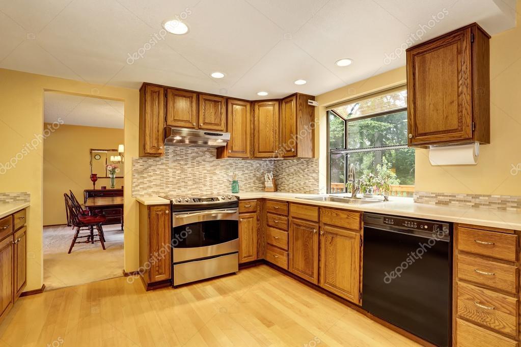 Welcher Fußboden Küche ~ Küche zimmer interieur mit edelstahl und hartholz fußboden