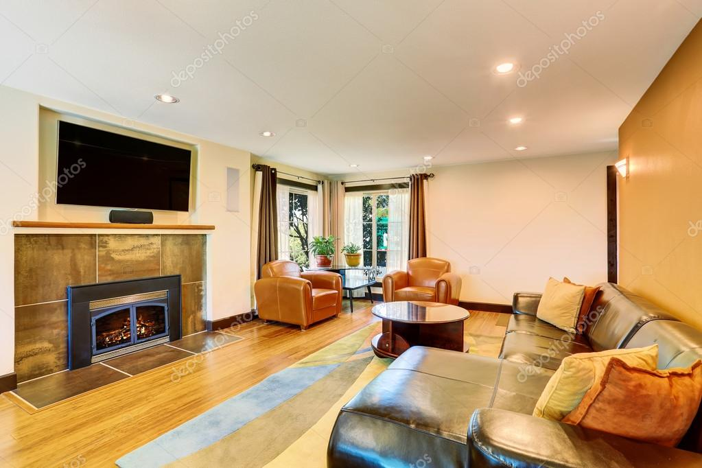 Living Room Interior With Leather Sofa Set And Fireplace U2014 Fotografia De  Stock