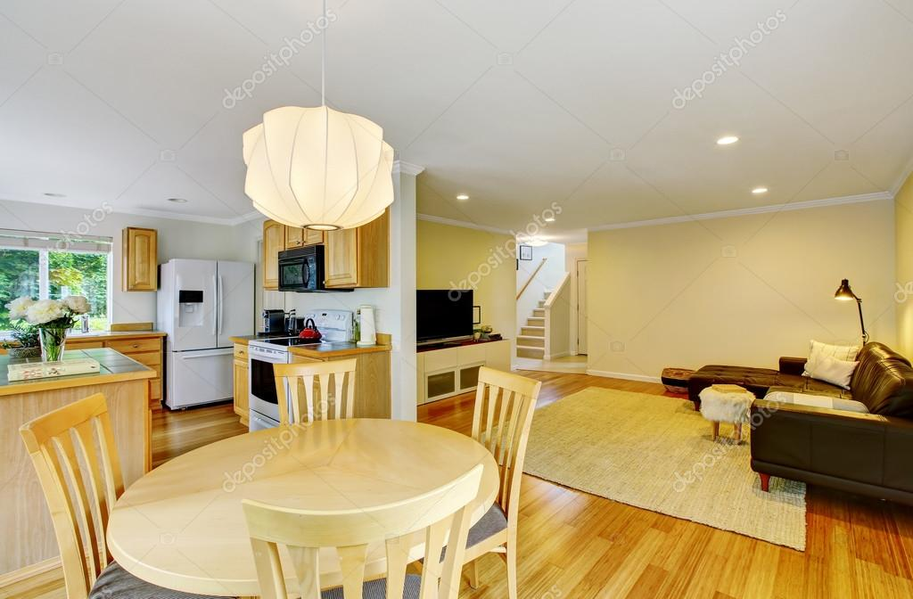 Open Floor Plan Kitchen And Living Room Also Dining Area At The Foreground Stockfoto