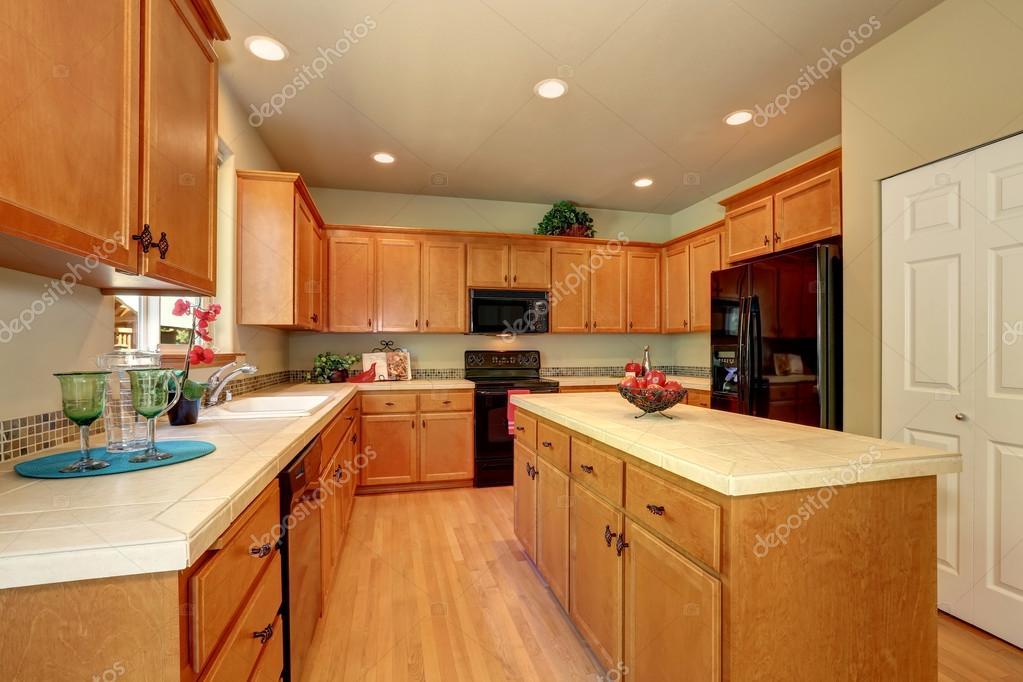 Cocina de lujo color crema cl sica americana con - Electrodomesticos de lujo ...