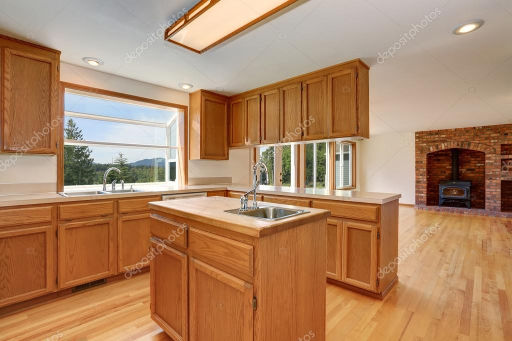 Fußboden Küche ~ Küche zimmer interieur mit holzschränke und hartholz fußboden