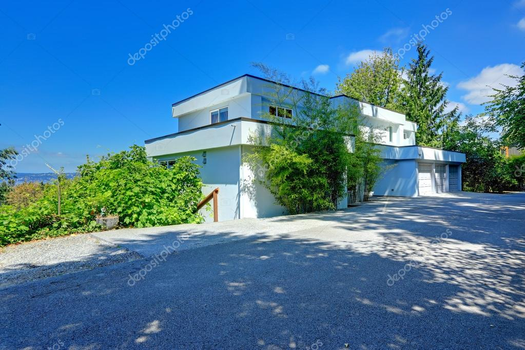 Pictures Flat Roof Houses Modern House Exterior With Flat Roof Stock Photo C Iriana88w 52125393