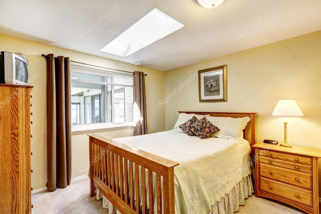 accogliente camera da letto in morbide tonalità avorio con ...