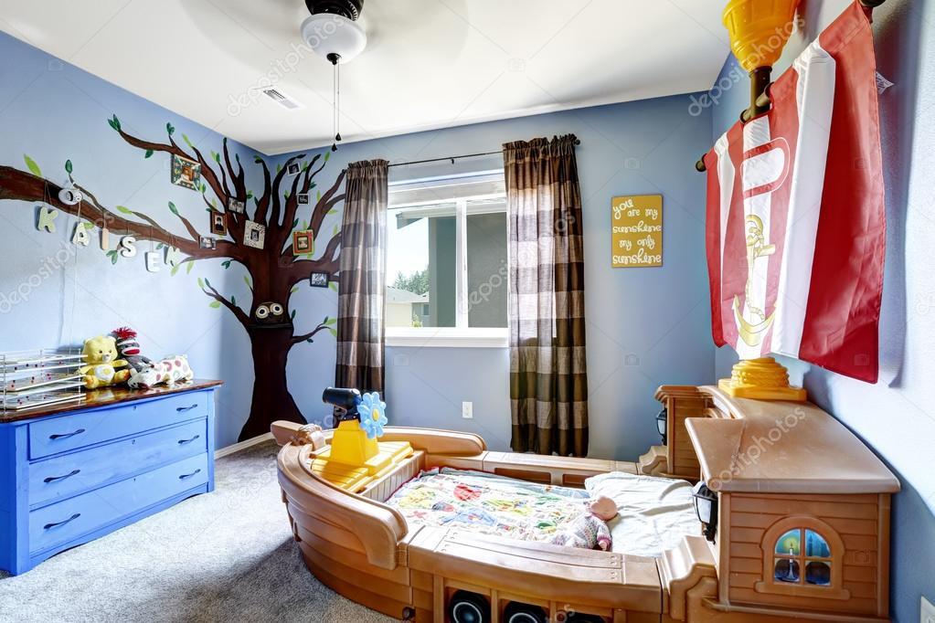 Kinderzimmer mit Boot-Bett — Stockfoto #52846889 | {Kinderzimmer bett 16}