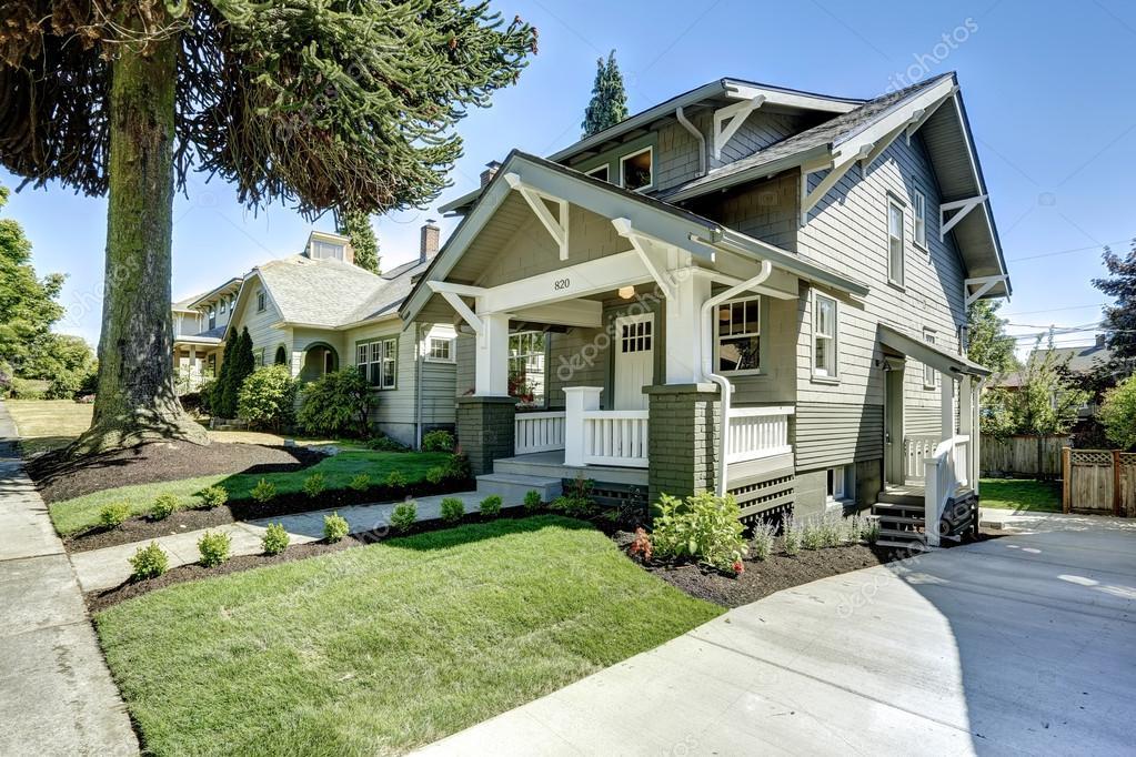 Klassische Amerika Haus Außen Stockfoto Iriana88w 52847543