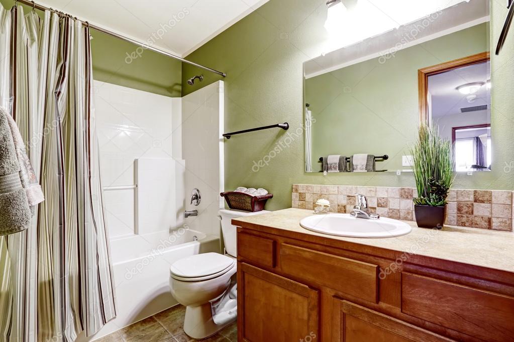 Mobile bagno con piastrelle decorative e finiture pianta u2014 foto