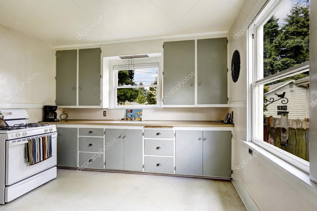 Keuken interieur in oud huis u2014 stockfoto © iriana88w #54257857