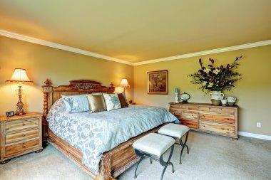 Luxury bedroom carved wood furniture set