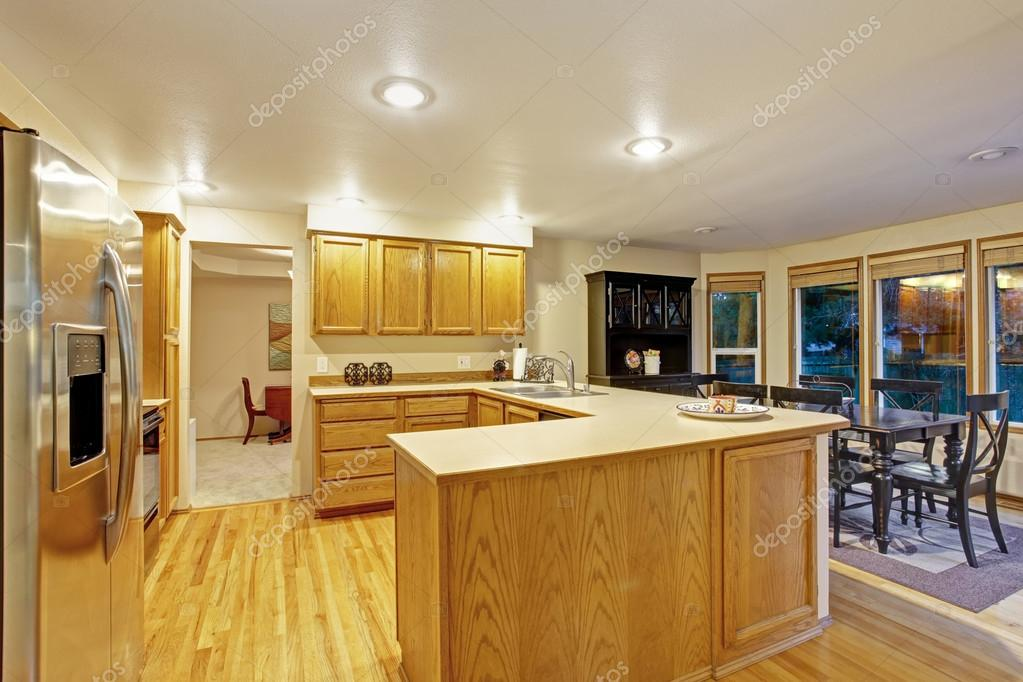 Hagyományos konyha, parketta — Stock Fotó © iriana88w #76568691