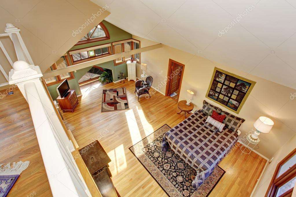 Vintage Stijl Slaapkamer : Vintage loft stijl slaapkamer met tv en hardhouten vloer