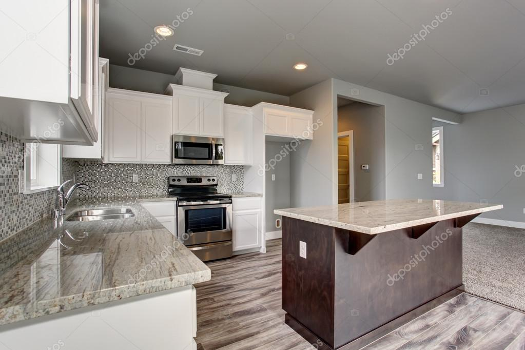 Única cocina con piso de madera gris — Fotos de Stock © iriana88w ...