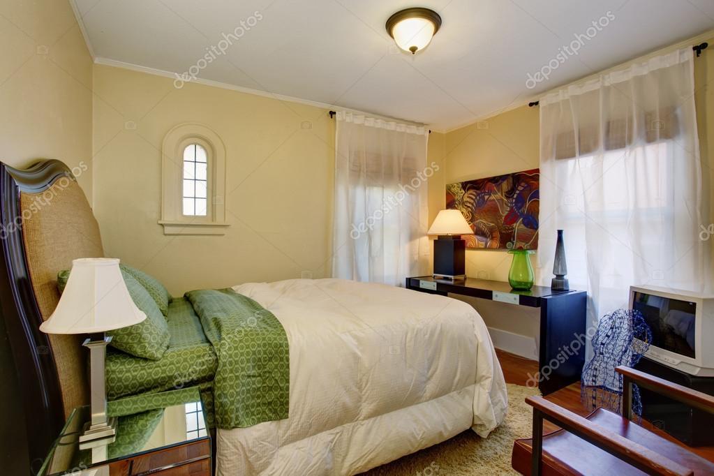 Slaapkamer Groen Wit : Goed samengebracht slaapkamer met groen en wit beddengoed
