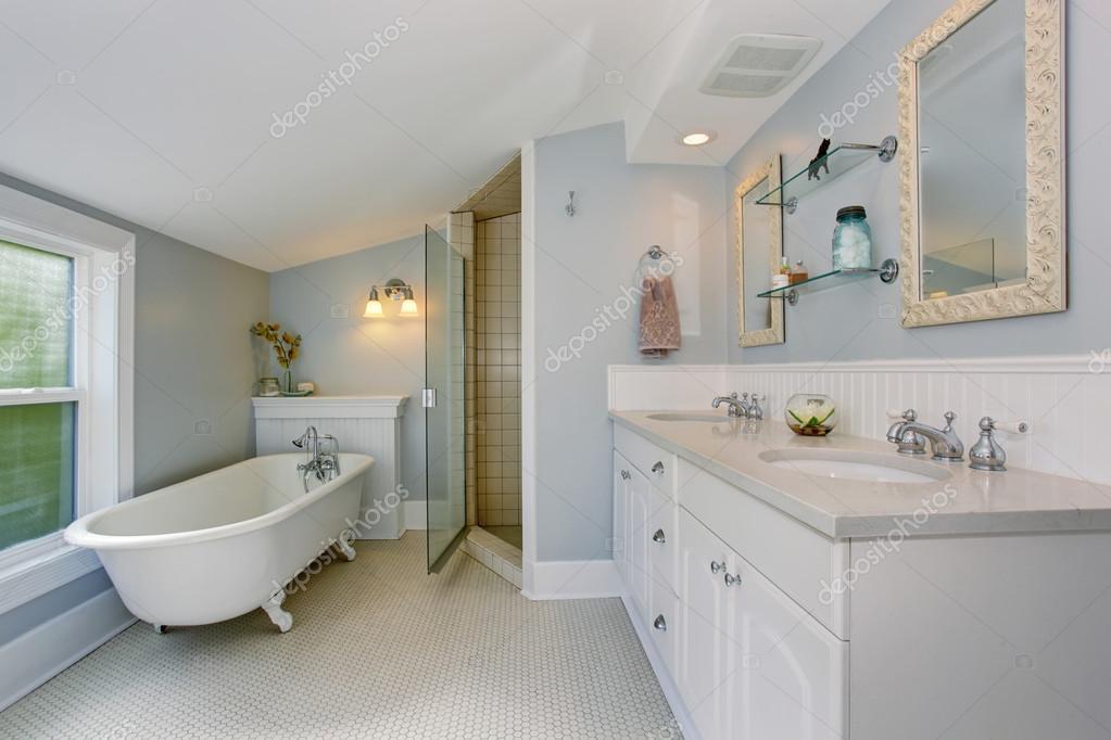 Vasca Da Bagno Piccola Vintage : Tutti i bagno padronale di lusso bianco con vasca da bagno vintage