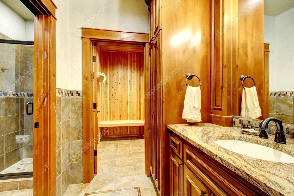 Badkamer Met Sauna : Luxe master badkamer met sauna u2014 stockfoto © iriana88w #99822698