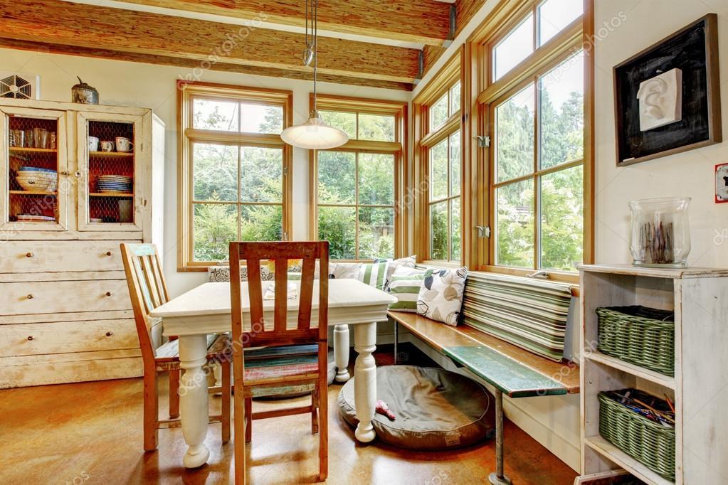 Vintage Stil Zimmer Mit Glastüren Stockfoto Iriana88w 99831214