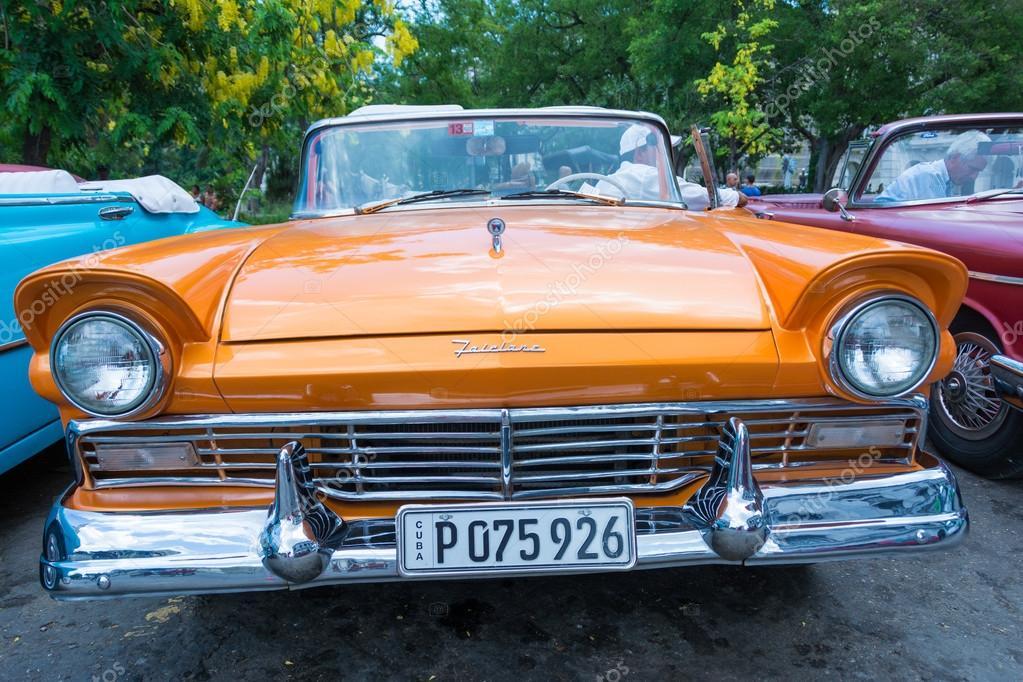 Old American cars in Cuba – Stock Editorial Photo © yelo34 #61101837