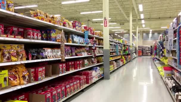 Cleaning and pet food product corridor in Superstore