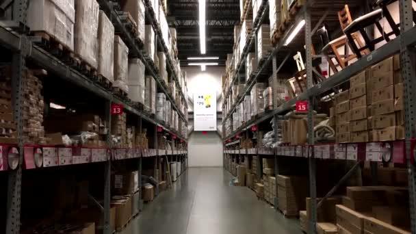 ikea fur kunden mobel lagerung ort abholen stockvideo