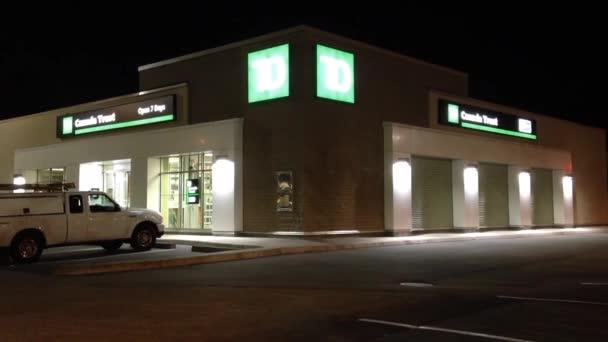 TD bank éjszakai jelenet