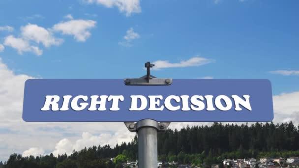 Správné rozhodnutí dopravní značka s tekoucí mračna