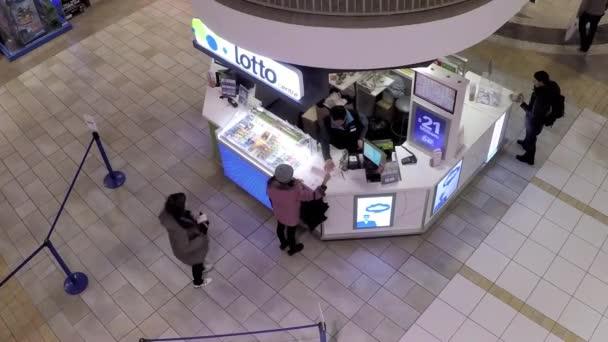 nahoru shot lidí kupovat loterie