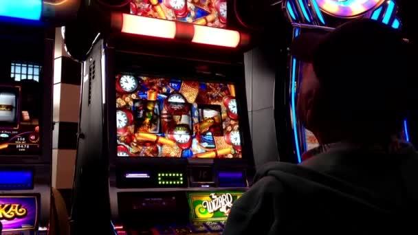 Видео казино слот играть игры в карты как играть