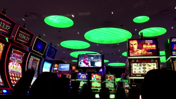 Jedna strana hrací automaty v Hard Rock Casino