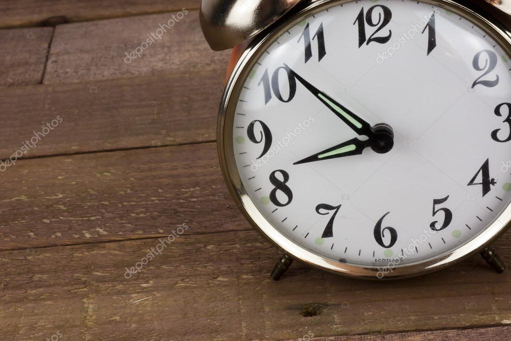 www wie spät ist es jetzt?