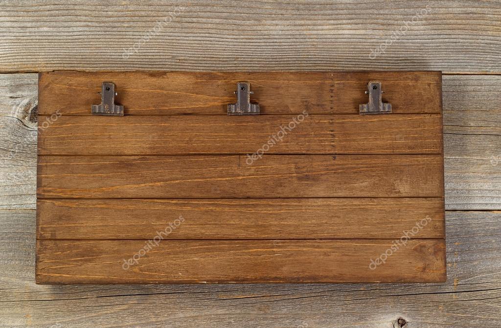 Inspiring machine a ecrire de vintage sur le vieux bureau en bois
