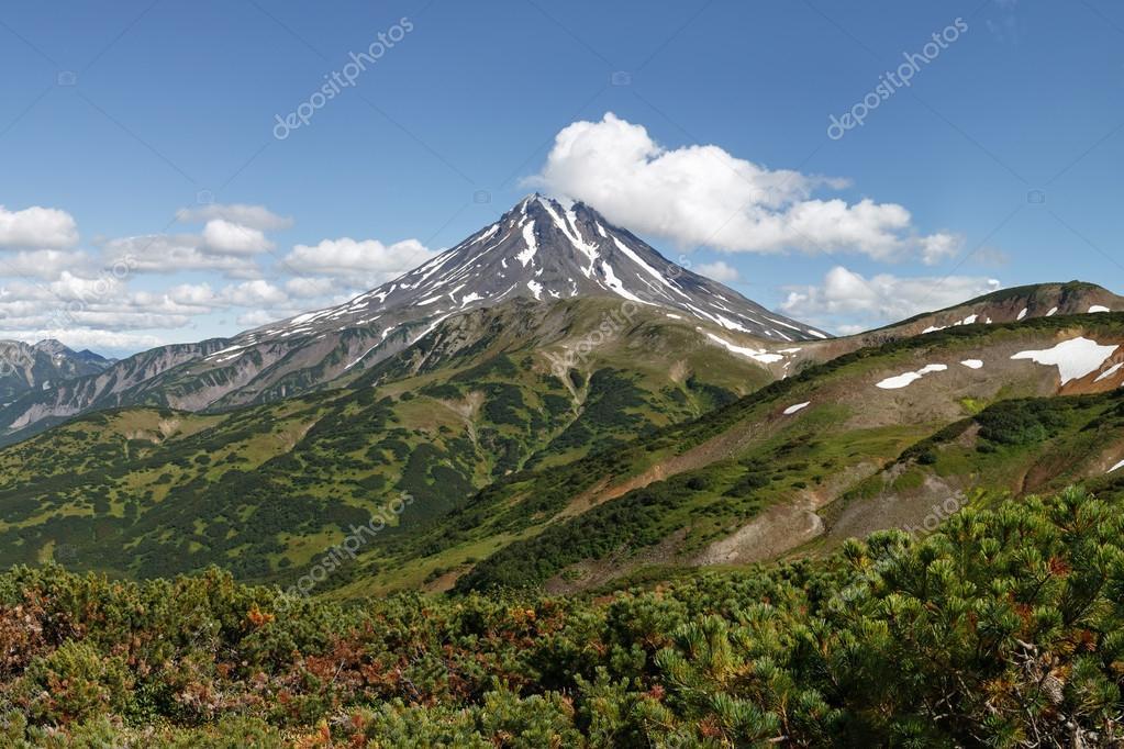 Kamchatka volcanic landscape: view of Viliuchinsky Volcano