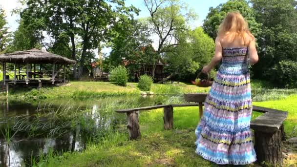 Egészséges terhesség. Terhes lovas pihentető Park