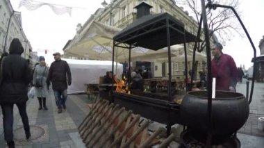 Outdoor Küche Metro : 21. märz 2018 moskau russland: metro expo tisch mit essen auf
