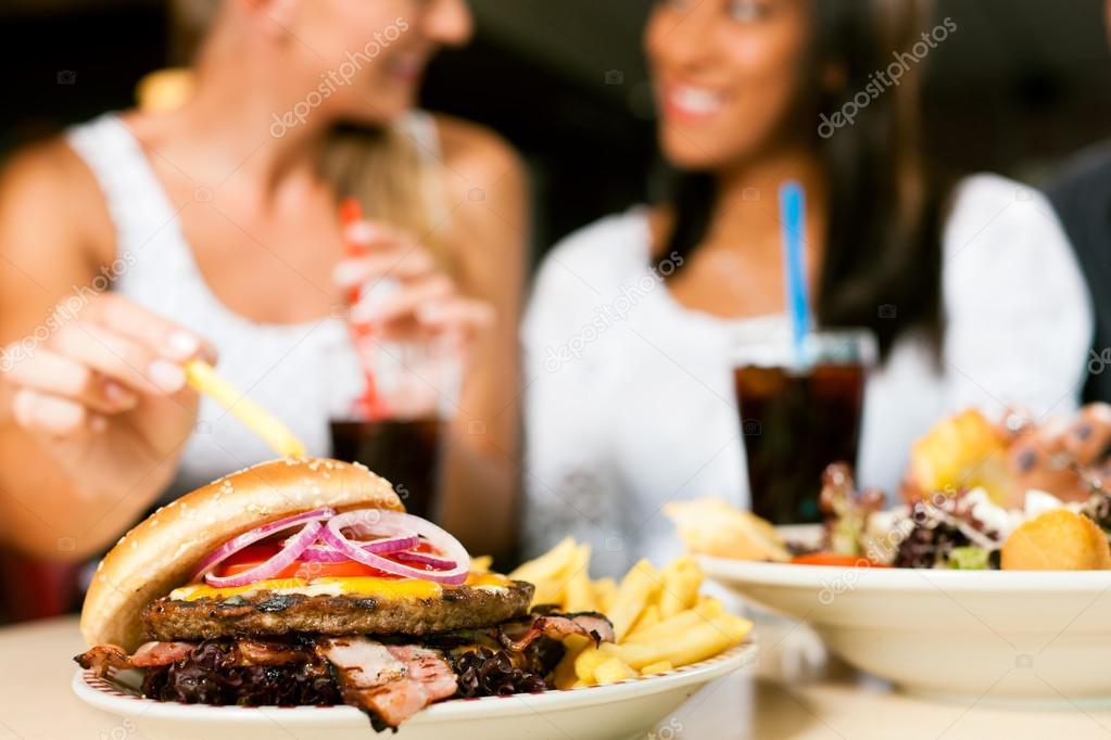 slamme eating fast food - HD1536×1024