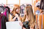 Fényképek Vásárlás divat áruház család