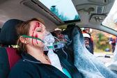 Dopravní nehoda - oběť v havarovaného vozu s první pomoci