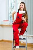 žena renovaci bytu